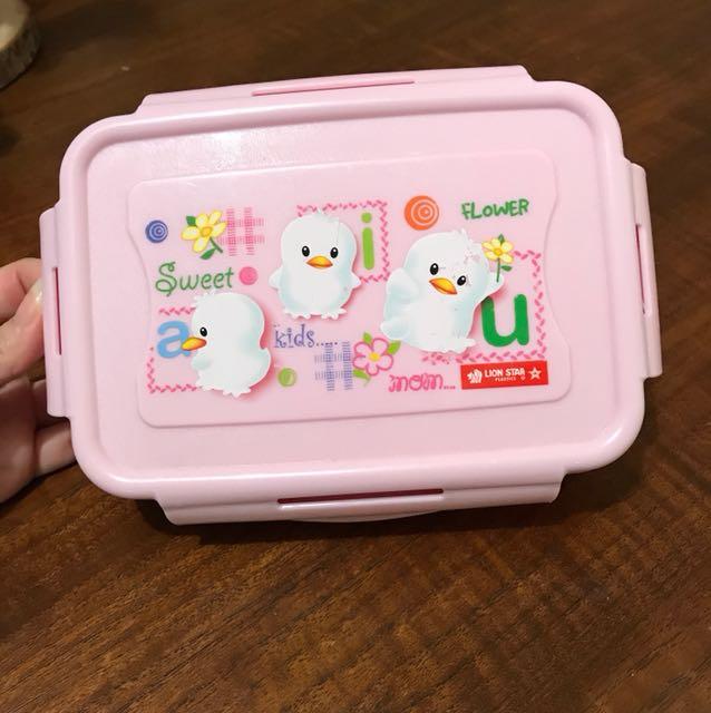 Lunch box anak