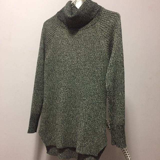 M boutique turtleneck sweater