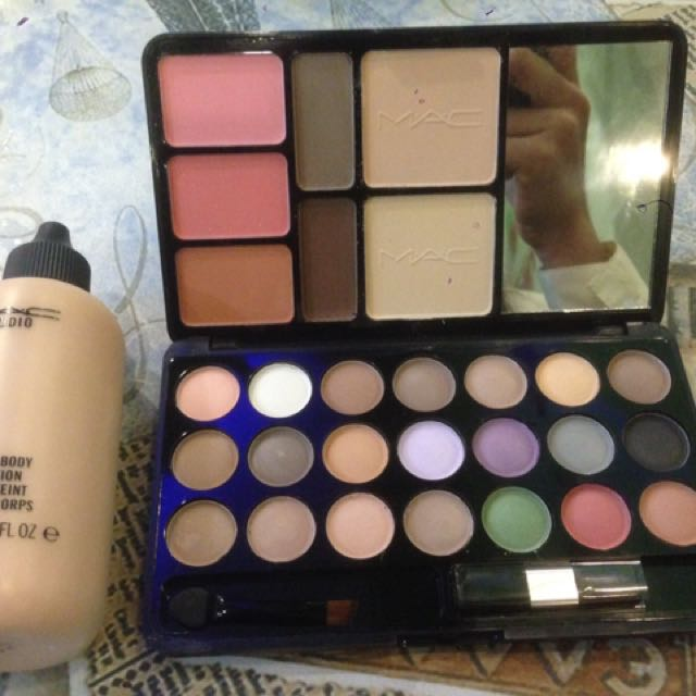 Mac Foundation and Travel Pack