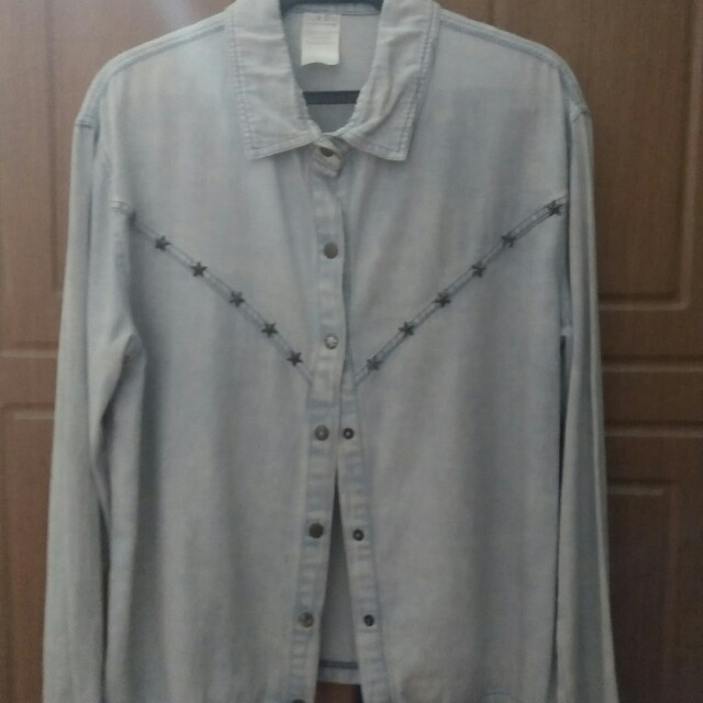 Maong Jacket with Star Studs