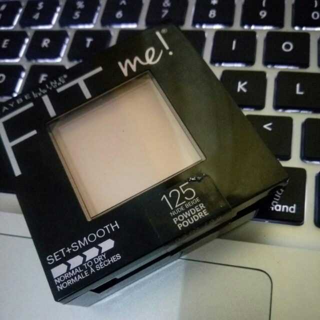 Maybelline Fit Me Set & Smooth Powder shade 125 Nude Beige
