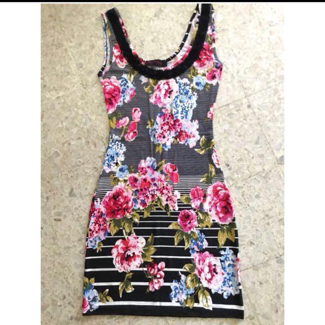 Miss Selfridge Bodycon Floral dress