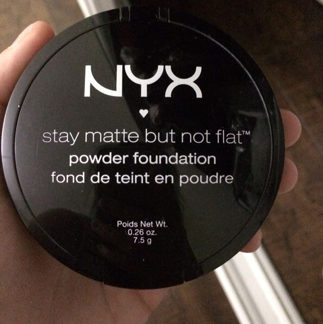 NYX Powder Foundation #SMP04 creamy natural