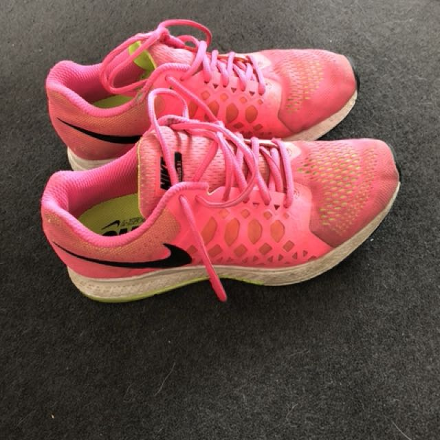 Pink nikes size US 8