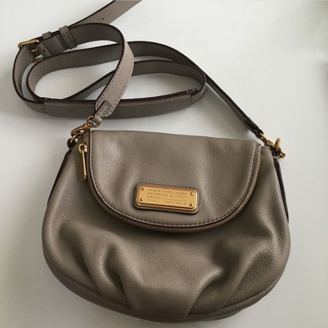 70822d7ea7 Preloved Marc by Marc Jacobs New Q Mini Natasha, Women's Fashion, Bags &  Wallets on Carousell