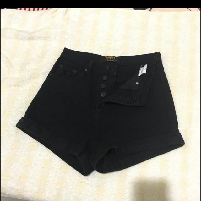 排扣短褲s