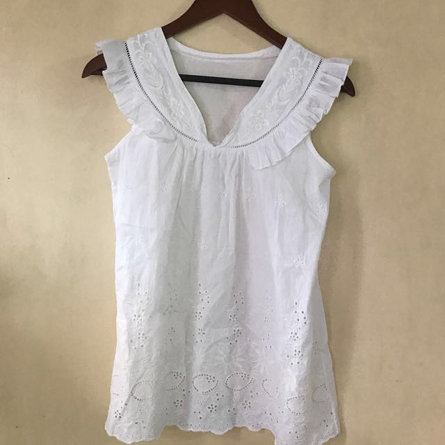 SALE!!! White Eyelet Sleeveless Top