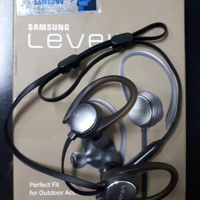 Samsung Level Active Bluetooth earphone
