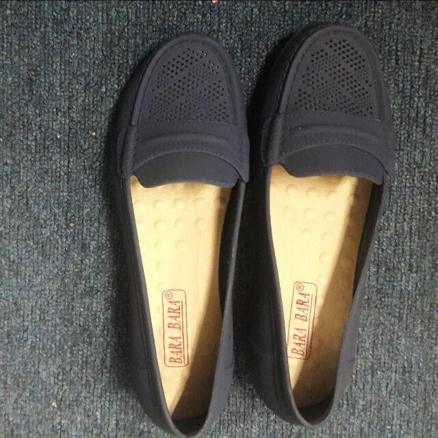 Sepatu Karet Bara Bara