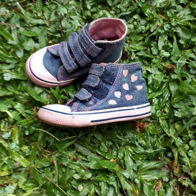 Sepatu mothercare