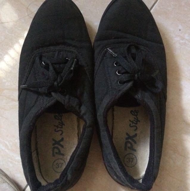 Sepatu px size 37