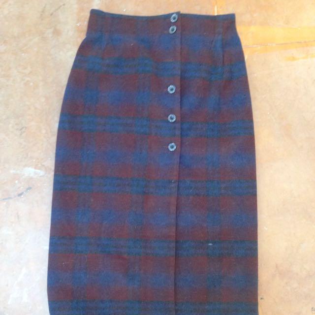 Thick tartan-esque wool skirt