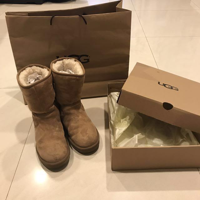 Ugg 經典防水雪靴