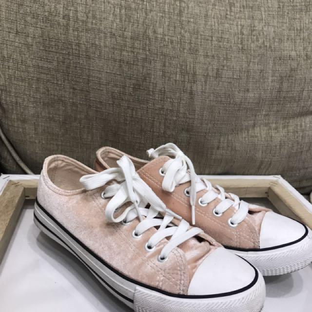 Velvet Baby Pink Size 38