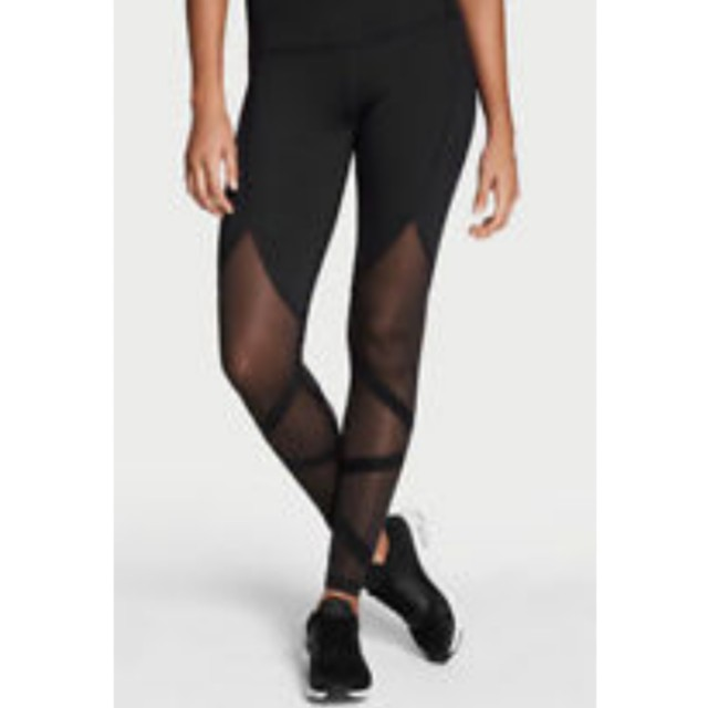 a442ad8d2b4 Victoria's Secret Knockout Leggings, Sports, Sports Apparel on Carousell