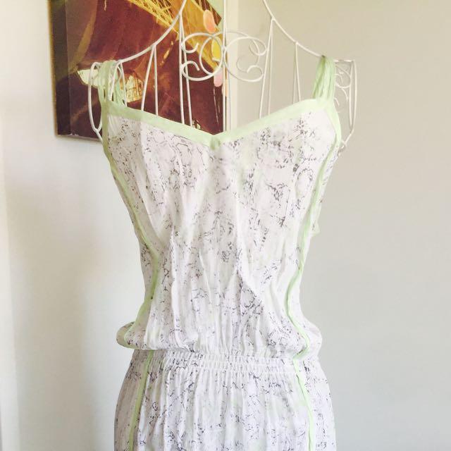 Witchery size M summer dress