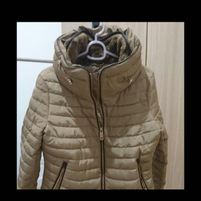 Zara winter puff jacket with hidden hood