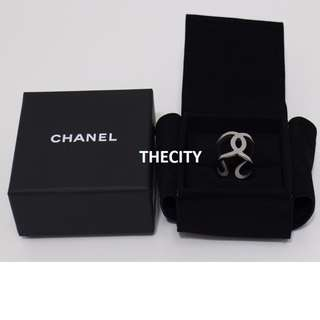 AUTHENTIC CHANEL CC LOGO RING - BRAND NEW