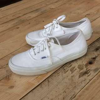 Vans thrue white