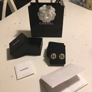 Full set *Brand New Chanel Earrings 耳環