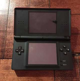Nintendo DS Lite (Red) W// Charger + Case + Games