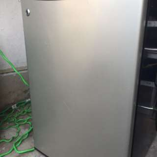 Mini fridge GE