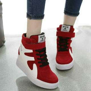 BOOTS SNEAKERS SAVVY