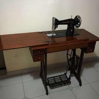 Singer Sewing Machine - Antique
