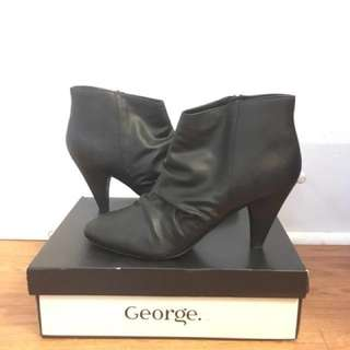 FREE Size 11 Black Bootie