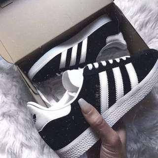 Adidas shoes size 7