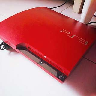 Playstation 3 PS3 Gaming Console Red Colour With Controller. Free 10 games!