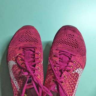 Nike Flyknit Zoom Training Shoes in Pink
