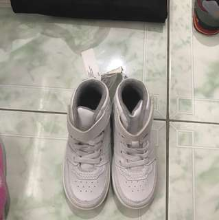 "Brand New ""H&M"" high cut sneakers (Unisex)"