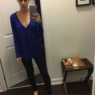 Wilfred XS Aritzia royal Blue shirt