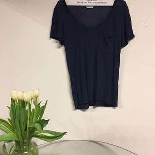 Club Monaco size small navy tshirt