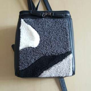 FUZZY CUBE LADIES BACKPACK