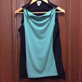 Sleeveless Two-Tone Blouse