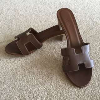 Hermes Oasis Sandal (Brown)