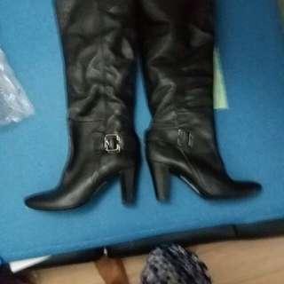 used b00ts with 3 inch heels