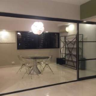 Nice Reno Hougang 5 room HDB for rent near MRT!