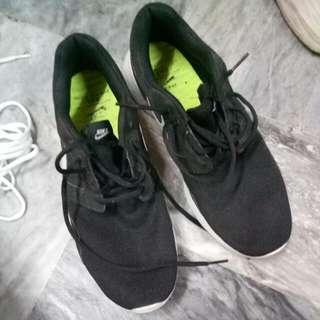 NIKE Kaishi Run Black (free Shoe Lace)