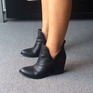 Wittner boots - barely worn size 37