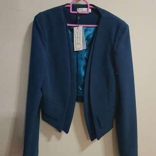 Closet London, blue blazer with faux pockets, BNWT, $40.