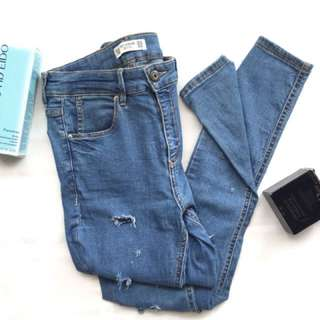 #B00149  Pull & Bear denim dark blue  Size:Eur 38/Mex 28  Waist: 68 cm Lenght: 99 cm  IDR :65,000