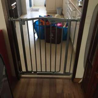 Lucky Baby Children safety door moving out sale
