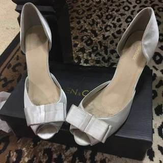 Karen & Chloe Satin Heels Size 39 Besar