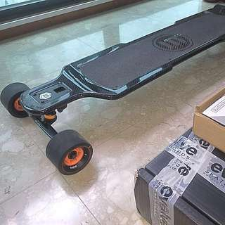 Evolve GT carbon fiber electric skateboard