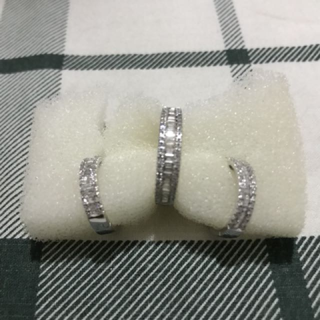 18K White Gold with Genuine Baguette and Round Diamonds