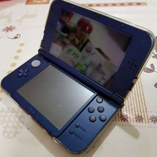 New Nintendo 3DS XL (Metallic Blue) with 6 Games