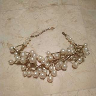 Dramatic pearl cluster necklace